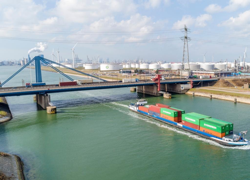 De Suurhoffbrug is aan vervanging toe. Foto: Project Suurhoffbrug.  © BrielsNieuwsland.nl