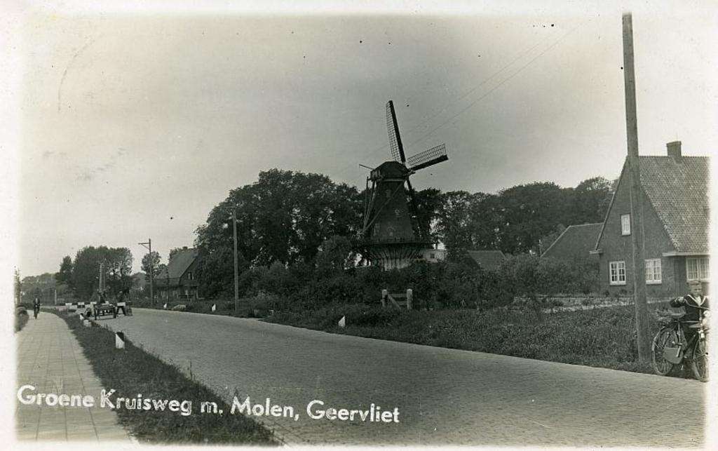 Zicht op Geervliet vanaf de Groene Kruisweg, ca. 1940 Foto: Streekarchief Voorne-Putten Rozenburg © GrootNissewaard.nl