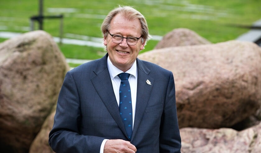 <p>&nbsp;</p><p><strong>Op 23 juni bracht de commissaris van de Koning in Zuid-Holland, Jaap Smit, een bezoek aan Goeree-Overflakkee.</strong></p>