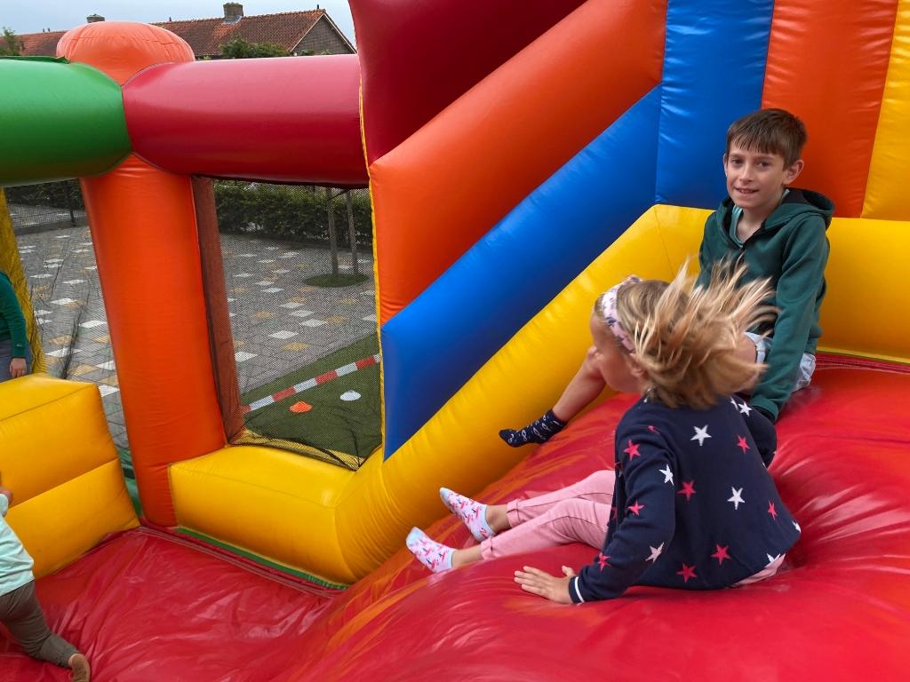 Kinderen genieten van de stormbaan PR De Weerklank © hetkompasonline.nl