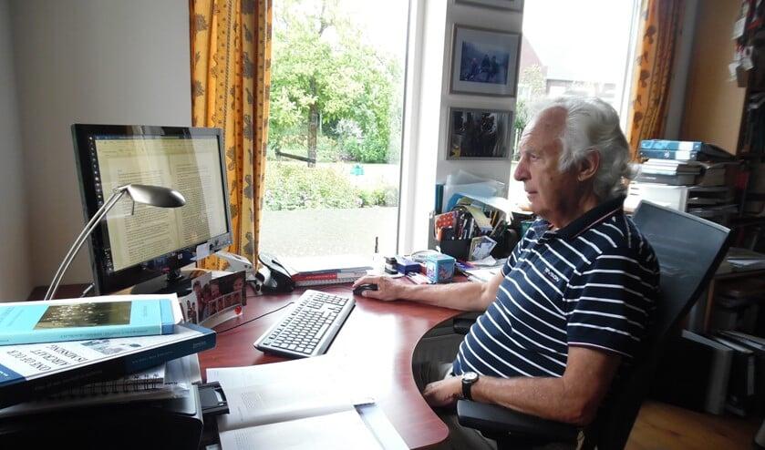 <p>Leen van Driel dook in de oorlogshistorie van zijn geboortedorp. &#39;En er zijn zeker nog veel meer verhalen.&#39;&nbsp;</p>