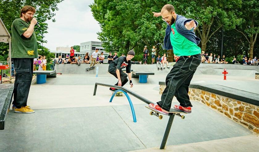 <p>Nassim toonde de mogelijkheden van het skatepark.</p>