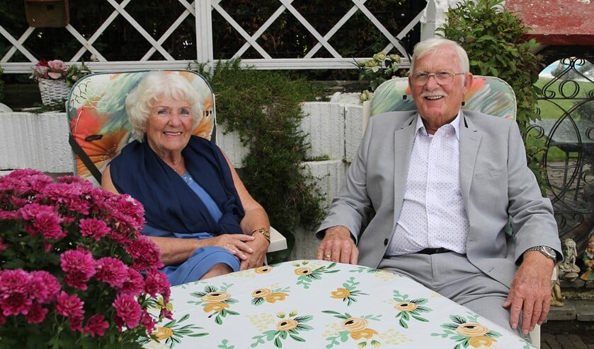 <p>Het echtpaar geniet volop van het leven.</p>