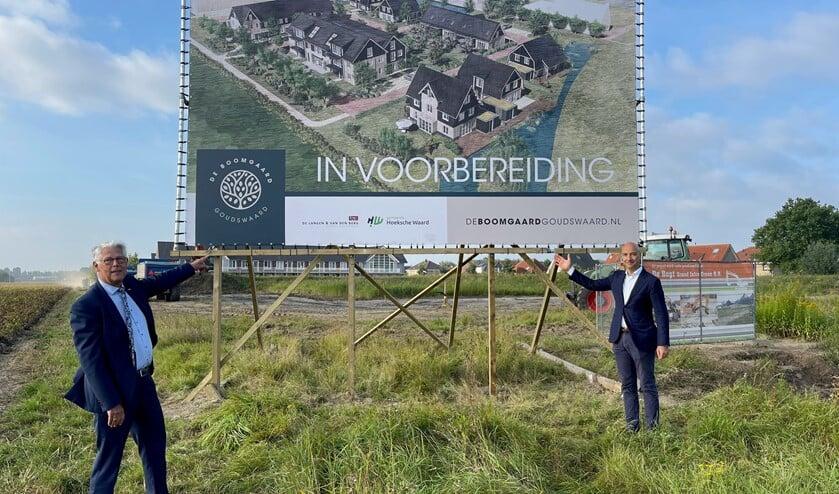 <p>Wethouder Piet van Leenen en projectontwikkelaar Tomas van den Berg van De Langen & Van den Berg. </p>