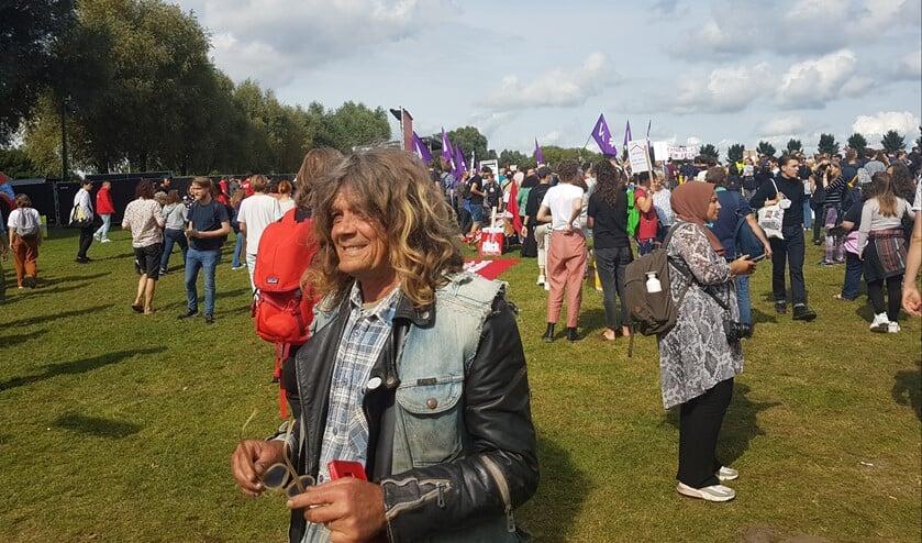 <p>Demonstratie woonprotest - samen sterker. Ik begon als kraker, mijn nichtje werkt &#39;thuis&#39; vanuit een ver land. Hier kan ze geen woning vinden.<br><br></p>