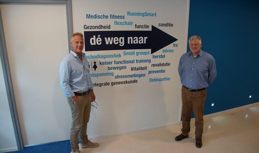 Jos Bergmans en Willem Waasdorp in de hoofdvestiging van OrthoMedic in Roosendaal, waar ook de Arbodienst OrthoMedic Verzuim en Re-integratie is gevestigd. FOTO: RENÉ BRUIJNINCX