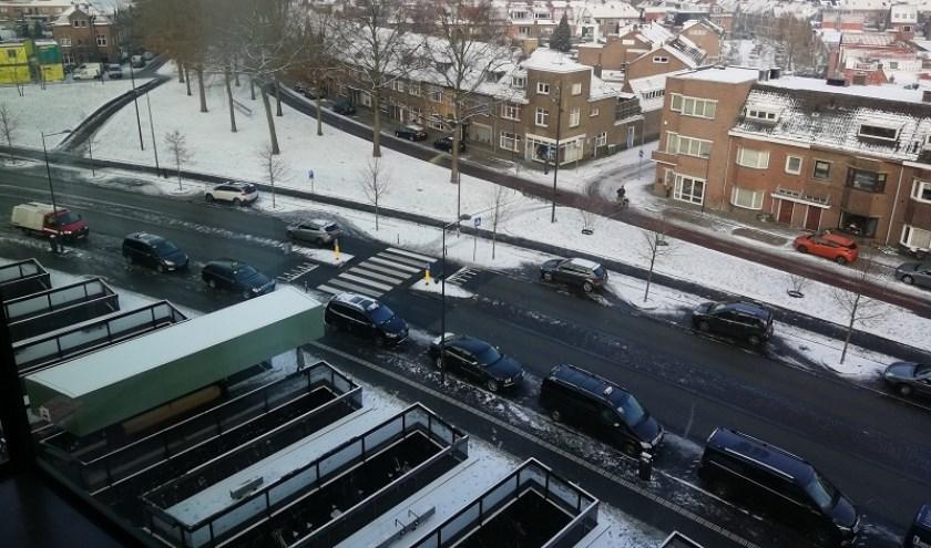 Breda vanaf het stationsdak gezien. Belcrum bedekt onder een laagje sneeuw.