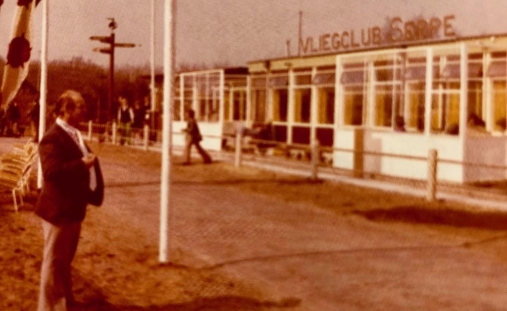 Het clubgebouw van de vliegclub begin jaren zeventig. FOTO ARCHIEF VCS Foto: Vliegclub Seppe © Internetbode