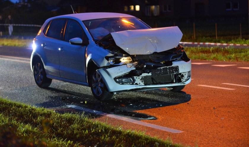 Deze auto had veel schade aan de voorzijde.
