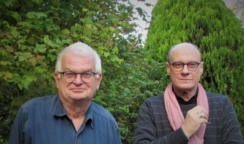 Gaande en komende voorzitter v.d. Kristallnacht herdenking Jan Hopman (links) en Paul Kools.