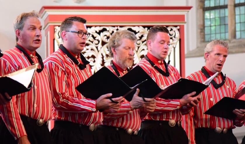 Het Urker Mans Formatie geeft een Kerstconcert in Goes.