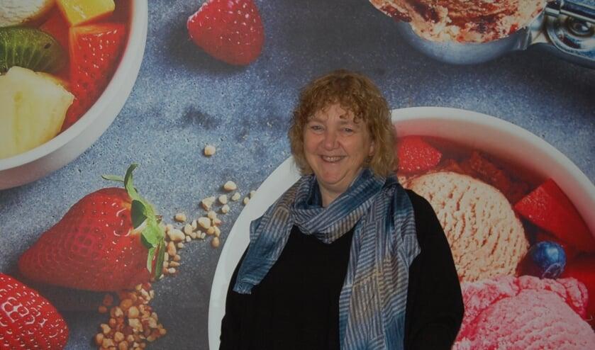 Mary Korten in het nieuwe onderkomen van Koek enLeut.