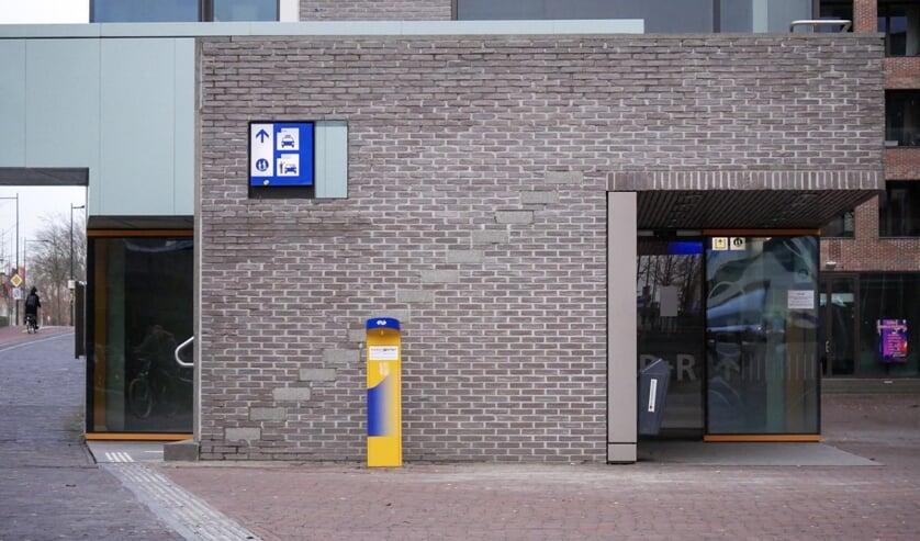 Het tappunt staat aan de Belcrumzijde van het station.