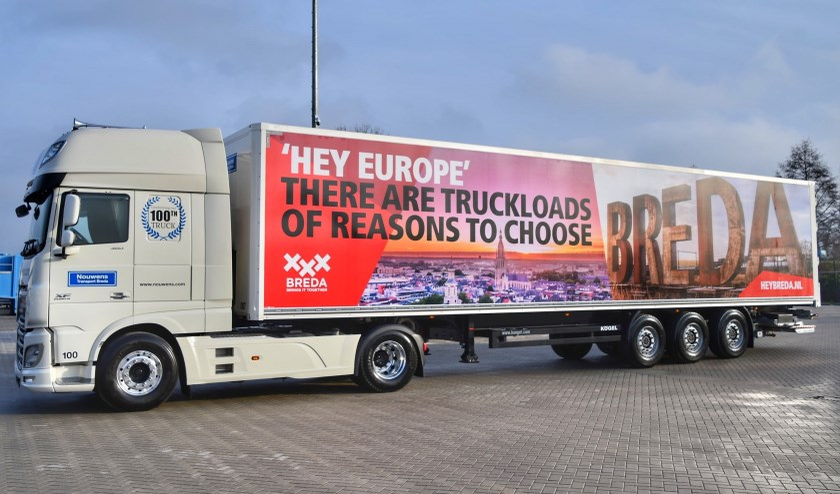 De truck trekt aandacht voor Breda.