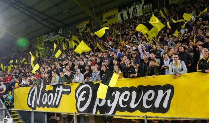 De supporters tijdens een wedstrijd tegen het Kralingse Excelsior.
