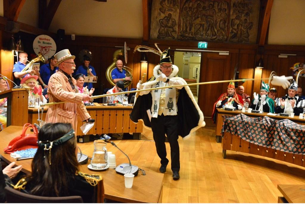 De prinsen en de baron namen dinsdagavond de raadszaal over. Foto: Perry Roovers © BredaVandaag