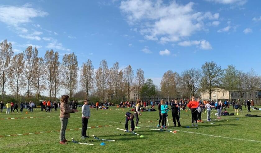 Kinderen sporten bij PCP tijdens de Koningsspelen 2019.