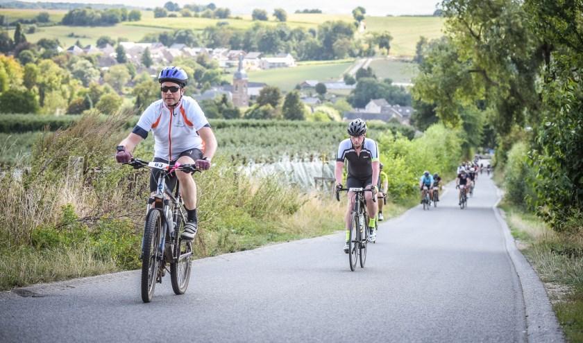 Jos Voeten (links) nam in 2018 ook al deel aan de Bike voor Parkinson.