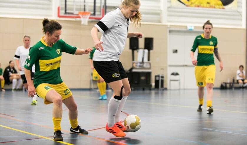 Corina Luijks heeft dankzij zaalvoetbal contract in Italië afgedwongen.