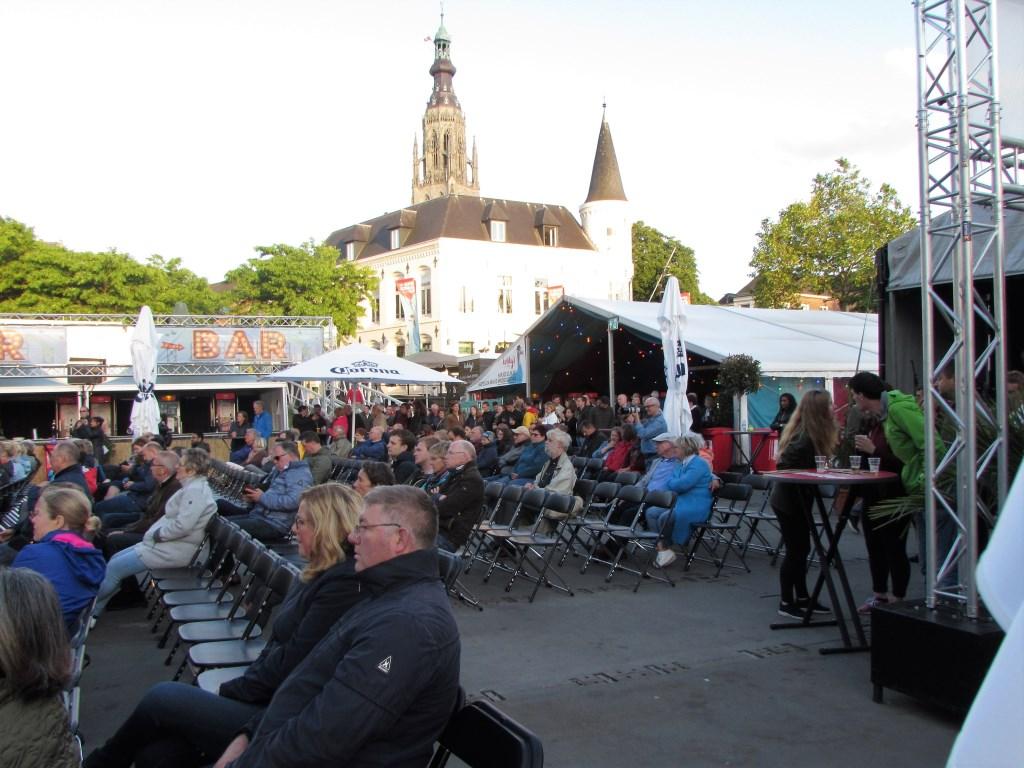 De zaterdagavond kon gelukkig wel doorgaan.  Foto: Henk Ketelaar © BredaVandaag