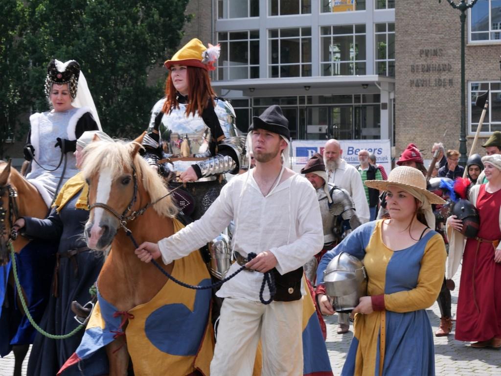 De stad is gevuld met historische figuren voor Nassaudag. Foto: Wesley van der Linde /GroenNieuws.nl © BredaVandaag