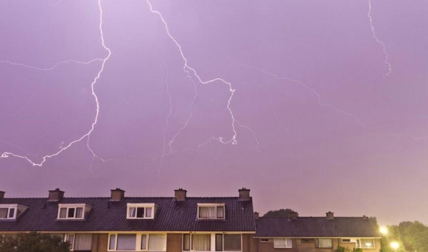 Archieffoto van onweer boven Breda.