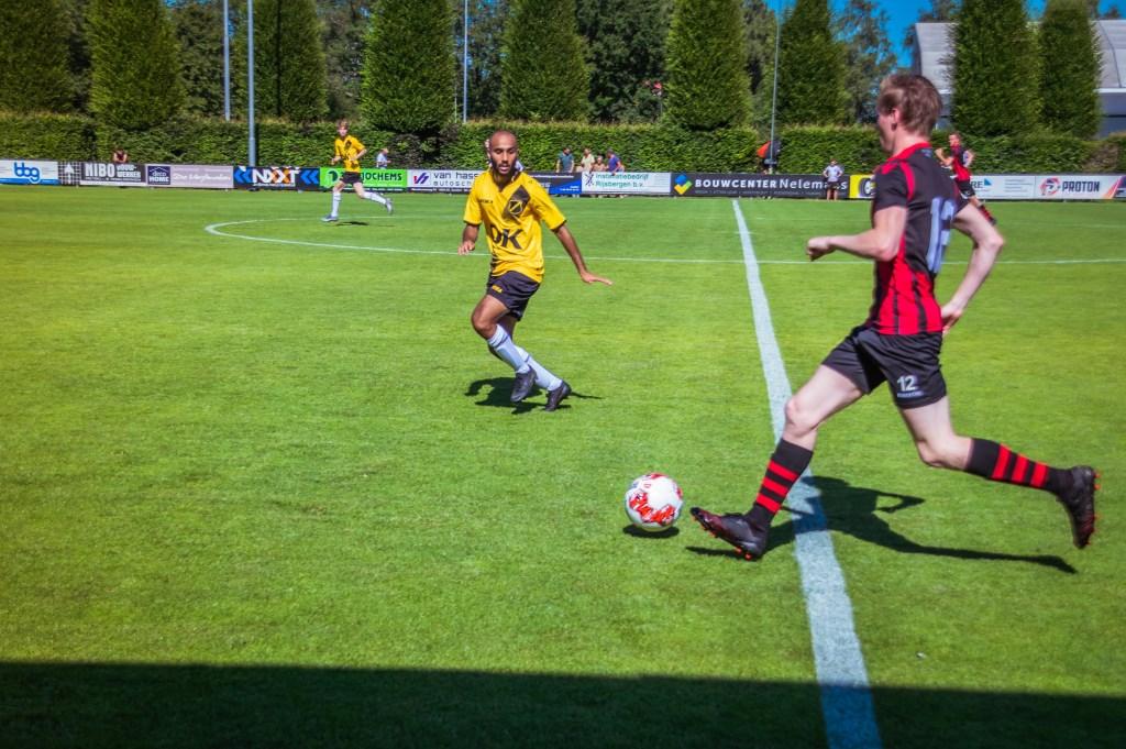 Het eerste doelpunt werd gemaakt door Sydney van Hooijdonk.  Foto: Charles van Campenhout © BredaVandaag