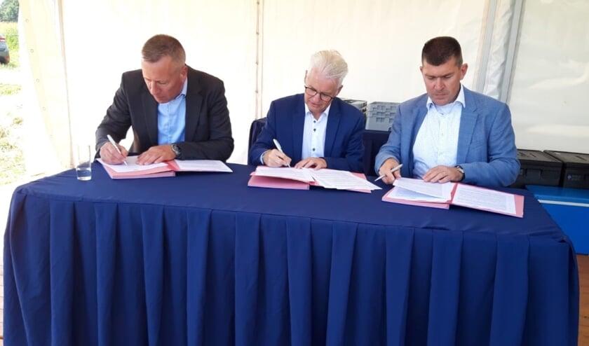 Brian Alwind (DSV), Frank Hommel (wethouder gemeente Tholen), Arno van Berlo (DSV).