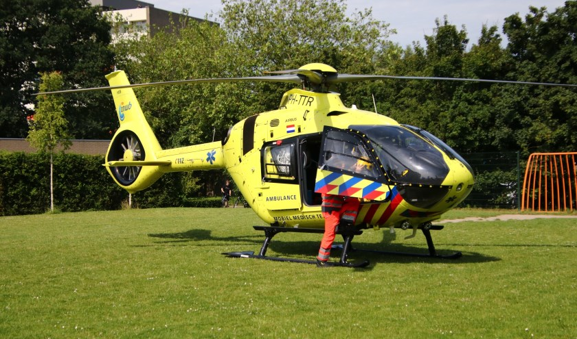 De traumahelikopter landde voor een reanimatie.