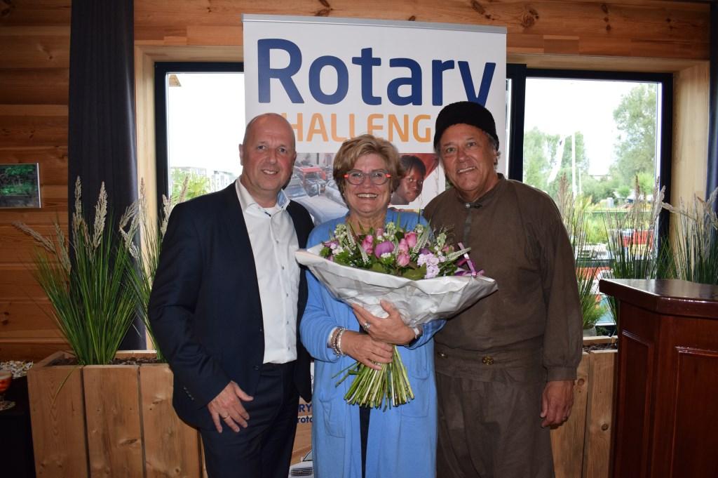 Initiatiefnemer Tineke de Ruiter met Bernice Stadhouders en Adriaan van Bergen Foto: Stella Marijnissen © Internetbode