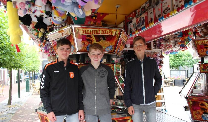 Kane, Sieb en Timo vermaken zich op de kermis van Steenbergen