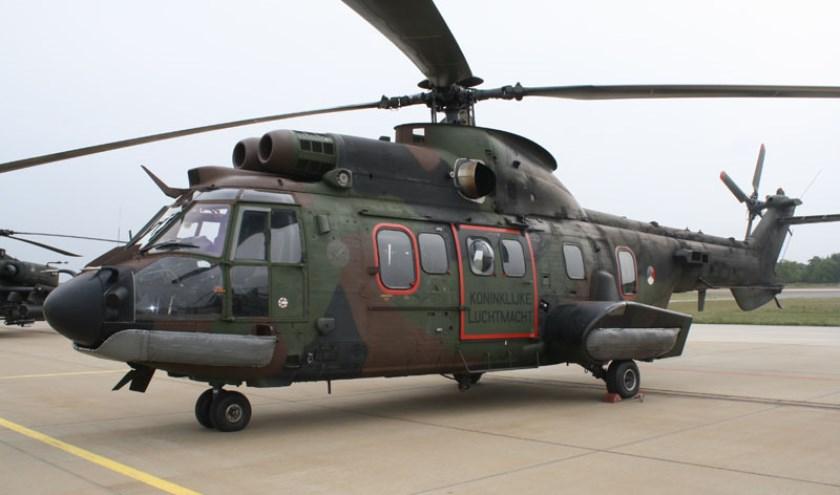 Helicommandos onderscheiden op vliegbasis 02