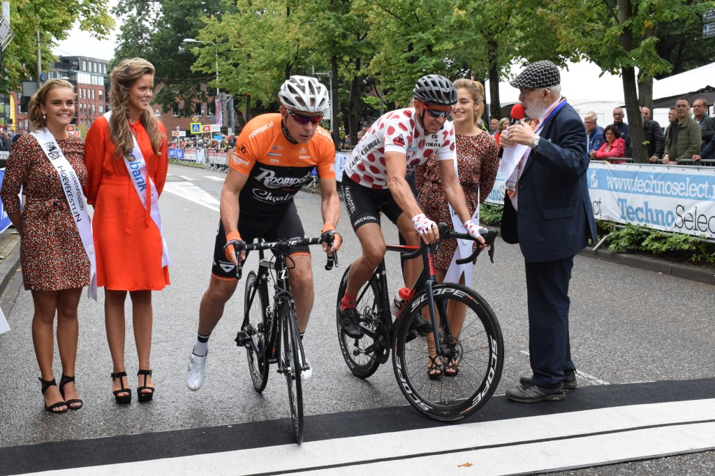 Jean Paul van Poppel en Steven Rooks aan de start in de koppelwedstrijd. FOTO STELLA MARIJNISSEN  © Internetbode