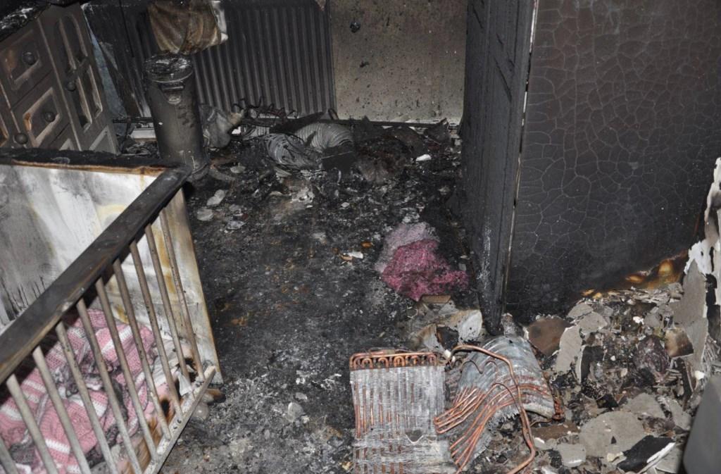 De kamer was volledig uitgebrand.  Foto: Brandweer Midden- en West-Brabant © Internetbode