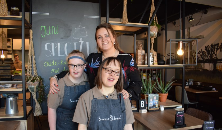 Lauri Dictus met kanjers Anne-Lotte en Eefje.