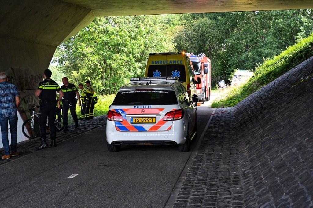 De man is naar het ziekenhuis gebracht.  Foto: Tom van der Put © BredaVandaag