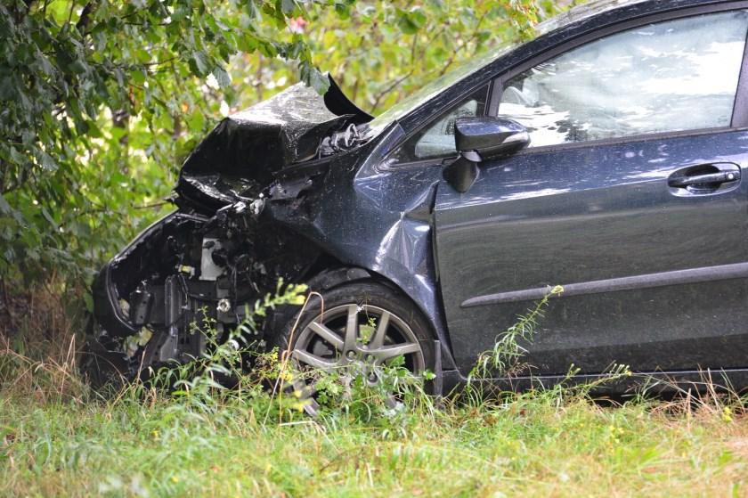 Beide auto's liepen veel schade op.