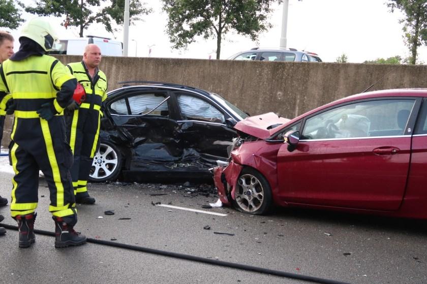 Alle drie de auto's waren total loss na het ongeval.