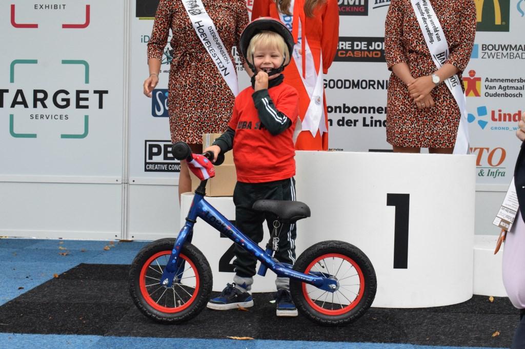 Marijn Seelen heeft een loopfiets gewonnen. FOTO STELLA MARIJNISSEN  © Internetbode