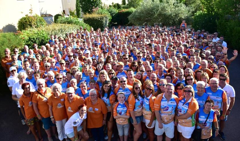 Honderden deelnemers gaan de Mont Ventoux beklimmen FOTO JACK MAGIELSE