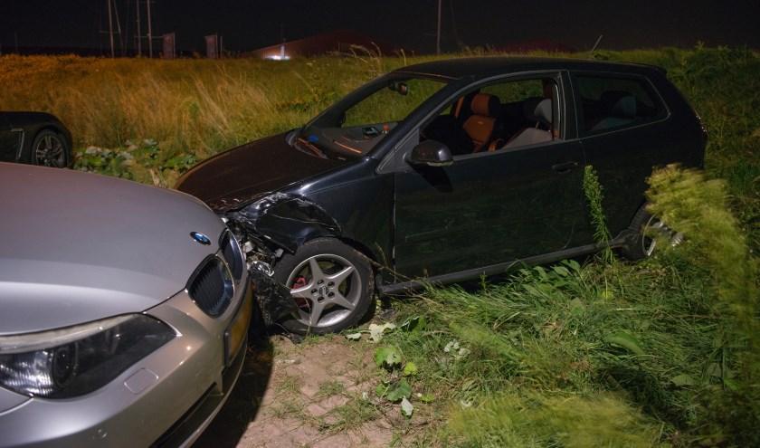 Beide auto's raakten beschadigd bij het ongeval.