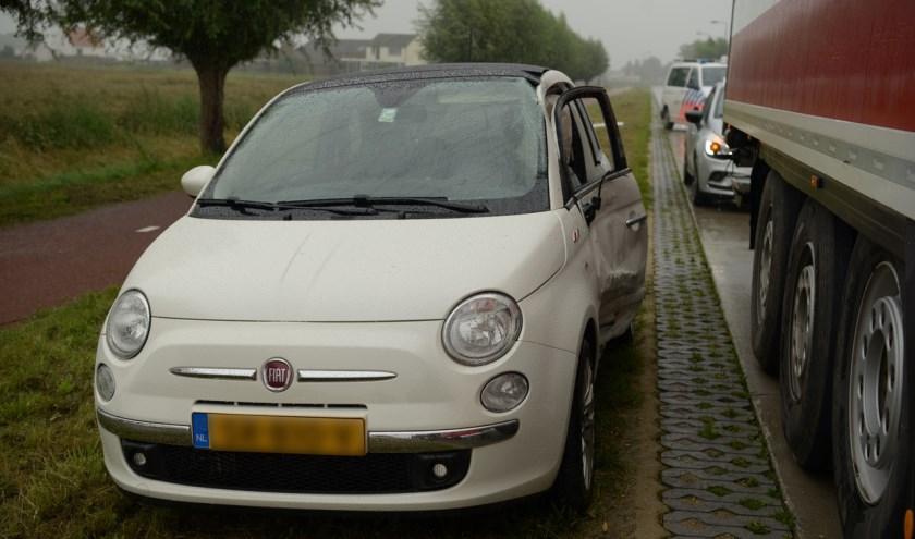 De auto raakte flink beschadigd bij het ongeval.