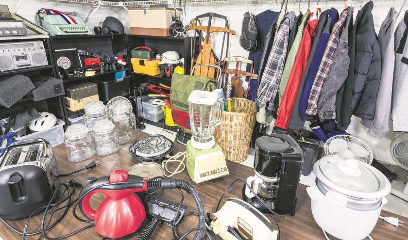Er is van alles te vinden tijdens de Garage Sale.