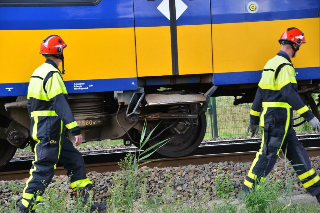 Aan de hydrauliekslang van de trein is een lekkage.  Foto: Perry Roovers © BredaVandaag