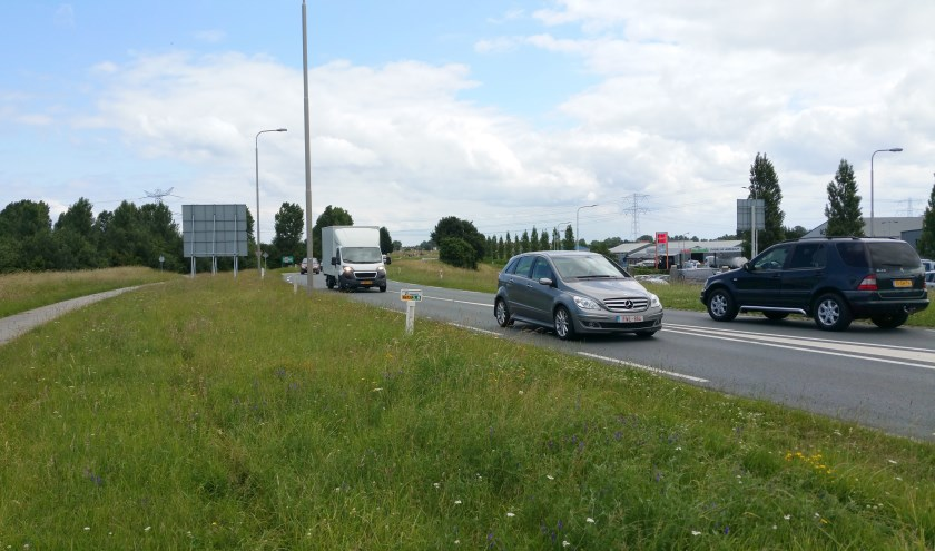 De N673 is een drukke route tussen Kruiningen en Yerseke.