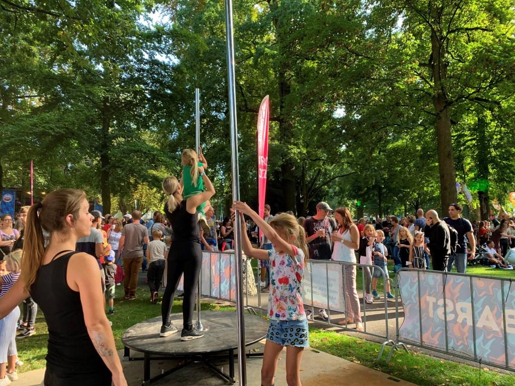 In het zonnetje werd er volop genoten van de eerste dag van Breda Barst. Foto: Wesley van der Linde/GroenNieuws.nl © BredaVandaag