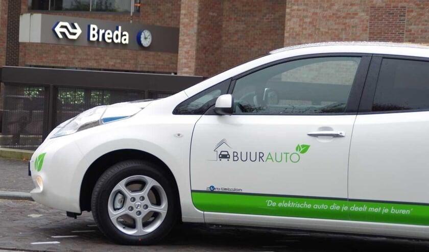 Een Buurauto bij het station in Breda