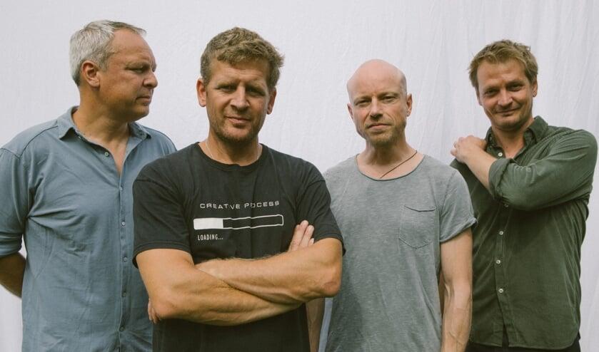 <p>Dennis Huige, Bart van der Weide, Paul Bukkens en Maarten van Damme (vlnr).</p>