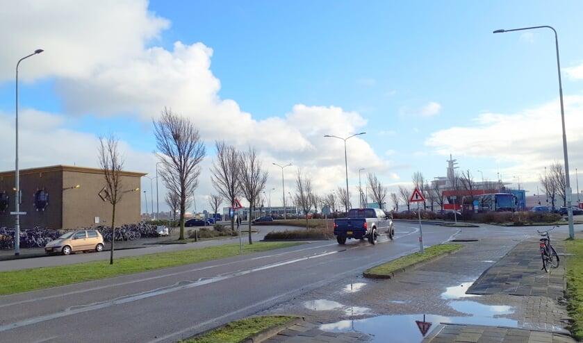 De Prins Hendrikweg leidt naar het stationsgebied.