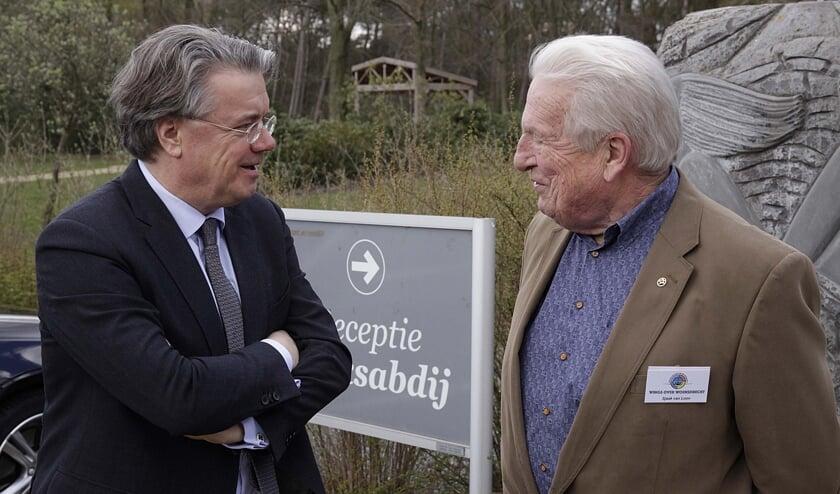 Wim van de Donk (links) was 11 jaar commissaris van de Koning